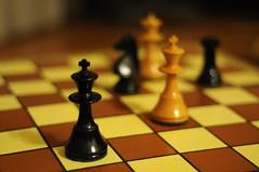 """""""Piezas de ajedrez (5)"""" (Marcelo Savoini) Tags: game 50mm nikon pieces chess juego ajedrez piezas 18d d90 explored"""
