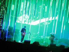 green (laconics) Tags: show brazil music green brasil concert saopaulo stage sp radiohead yorke palco krafwerk justafest chacaradojockey