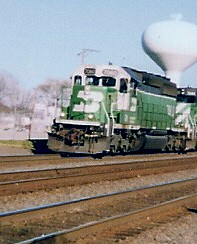 Westbound BNSF Railway freight train.  La Grange Illinois USA. November 2001. by Eddie from Chicago
