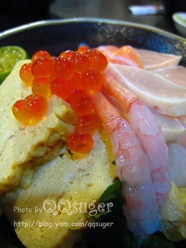 你拍攝的 綜合海鮮丼平裝版5。
