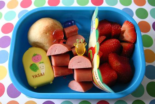 Preschooler Bento #151: March 5, 2009