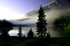 foggy morning (Tom Herlyck) Tags: lake mountains fog sunrise colorado buenavista legacy daarklands