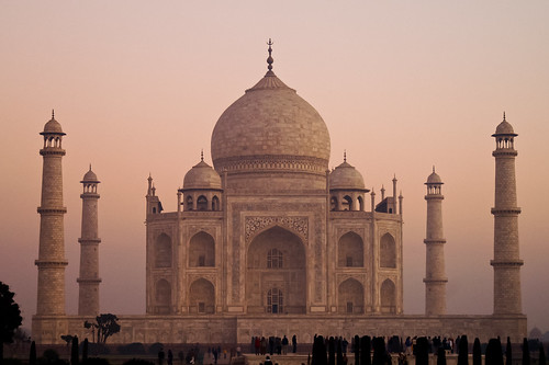Taj Mahal - Early Morning Mist