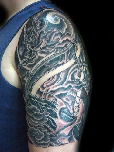 tatuaje dragon japones. Tatuaje Arbol japones Pupa Tattoo Granada