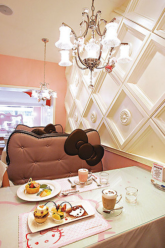 hello kitty cafe 1 by joanneteh_32(I still try to drop by the flickr com
