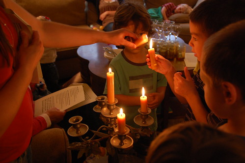 seder: candle lighting