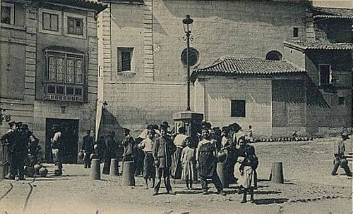 Plaza del Padre Juan de Mariana (Toledo), antigua plaza de San Juan Bautista, en el siglo XIX. Fotografía de Jean Laurent