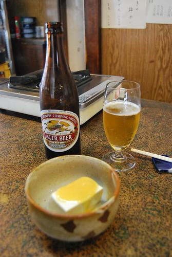 Kirin Beer con tofu y salsa de miso