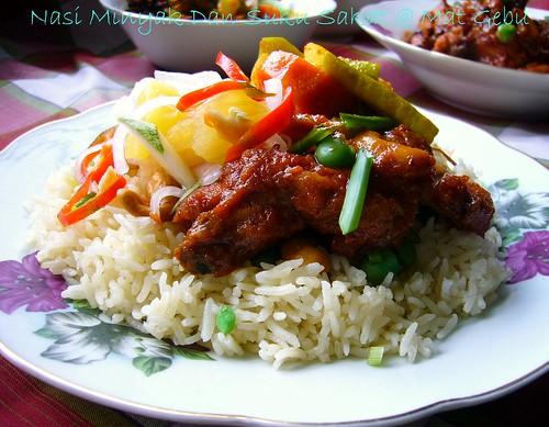 Nasi Minyak Dan Suku Sakat