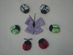 Borboleta de fuxico e joaninhas (Minhas Crias) Tags: flor artesanato mini borboleta fuxico joaninha tecido miniaturas trabalhosmanuais retalhos fuxicaria