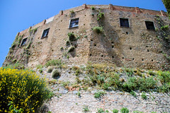Ronda's Old Wall (cwgoodroe) Tags: summer costa white hot sol beach del bells spain ancient europe churches sunny bull bullfighter adobe ronda moors walls washed clothesline protective newbridge roda bullring stonebridge oldbridge spainish whitehilltown rondah spanishdoors