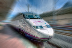 AVE Ciudad Real  Madrid, RENFE (marcp_dmoz) Tags: madrid espaa station speed train canon real eos high spain railway zug ciudad ave alta velocidad hdr estacin spanien highspeed lamancha castilla renfe espaola 50d hochgeschindigkeitszug hochgeschindigkeit