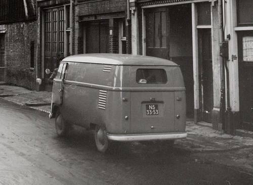 "NS-33-53 Volkswagen Transporter bestelwagen 1954 • <a style=""font-size:0.8em;"" href=""http://www.flickr.com/photos/33170035@N02/3992597668/"" target=""_blank"">View on Flickr</a>"