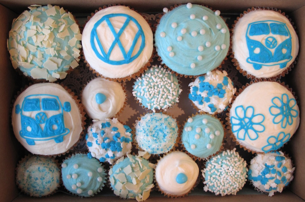 Camper Van cupcakes