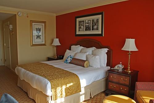 sc rooms furniture beds southcarolina pillows charleston hotels renaissancehotel hotelrooms