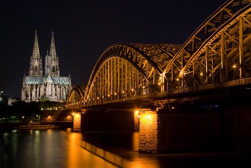 フリー画像| 人工風景| 建造物/建築物| 橋の風景| 教会/聖堂| ケルン大聖堂| 世界遺産/ユネスコ| 夜景| ドイツ風景|   フリー素材|