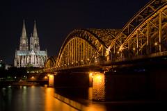 [フリー画像] [人工風景] [建造物/建築物] [橋の風景] [教会/聖堂] [ケルン大聖堂] [世界遺産/ユネスコ] [夜景] [ドイツ風景]   [フリー素材]
