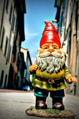 Benjamin David travelling_5 (Lost in a Secret Garden) Tags: travelling town high gnome italia dwarf amelie alta bergamo città poulain