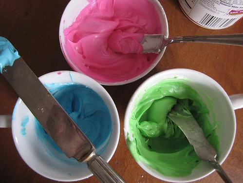 making cupcakes 4