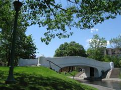 Bridge in St. Viateur park (Quevillon) Tags: park bridge pond montral qubec outremont stviateurpark
