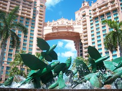 Flying Fish (TMSBrad) Tags: fountain island paradise atlantis bahamas bridgesuite