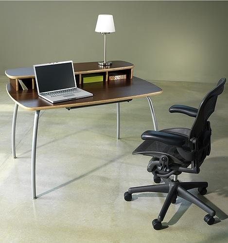 Knú Desk #2