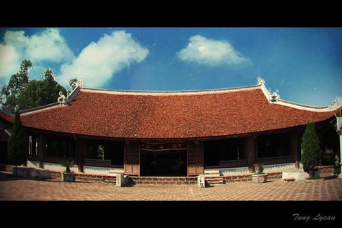Tại sao lại gọi làng cổ Đường Lâm là làng hai vua?