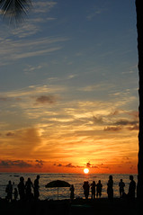 What a show (onemadgooner) Tags: silouette getty waikikisunset