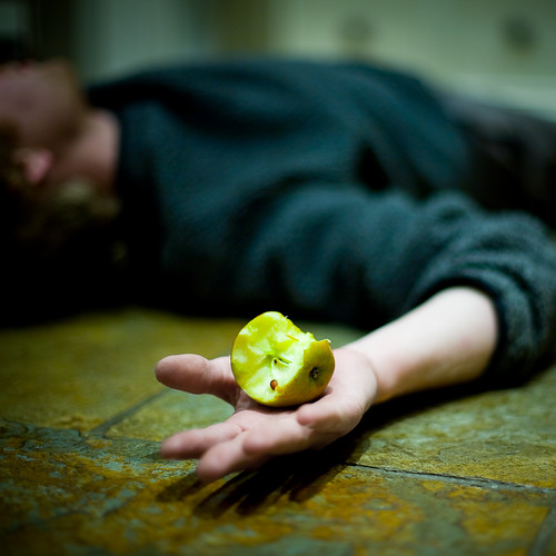 Dying for an apple - Day 187 of Project 365 by purplemattfish.