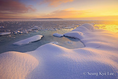 Arctic Light (Seung Kye Lee - Fine Art Landscape Photography) Tags: ocean sunset snow ice weather norway landscapes europe seascapes earth fineart fjord oslofjord huk flickrsbest anawesomeshot earthshotsorg theunforgettablepictures flickrslegend absolutelystunningscapes thebestwaterscapes wwwseungkyeleezenfoliocom landskapsfotograf karljohanvasstrand theunitednationsclimatechangeconference2009 copyrightseungkyelee
