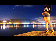 belas pernas (Marcus Vincius MV) Tags: trip travel blue friends floripa summer brazil vacation portrait sky color reflection love nature water colors girl beautiful gua azul brasil skyline night trash landscape lumix agua colorful raw shine eu estrelas cu florianopolis lua noite amizade pernas vero colourful santacatarina 1001nights lagoadaconceio ceva manequim brilho lindinha nightstars abigfave platinumphoto trashbit