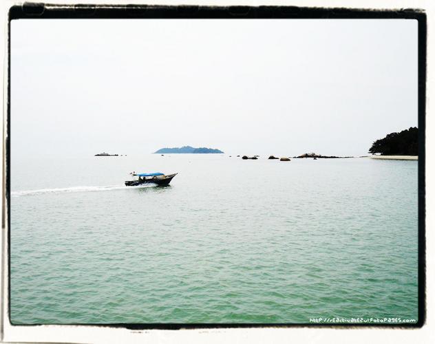 panorama-tengah-hari-yang-cantik-di-jeti-feri