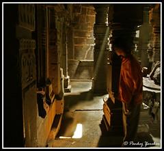 In the pursuit of light. (Pankaj  Unlimited (pankajz.com)) Tags: light sculpture golden maharashtra rays pune   bhuleshwar  pankajunlimited