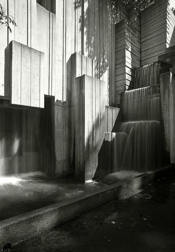 Seattle Freeway Park Inside Fountain Crashing Sounds
