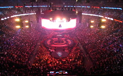 Britney Spears Concert Crowd with Stage - 23,000 and counting (Anirudh Koul) Tags: canada concert bell quebec spears circus montreal centre performance center britney brit britneyspears bellcentre centrebell bellcenter 20march2009 upcoming:event=2423297 lastfm:event=1042156