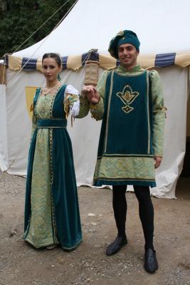 Acconciature donne del medioevo