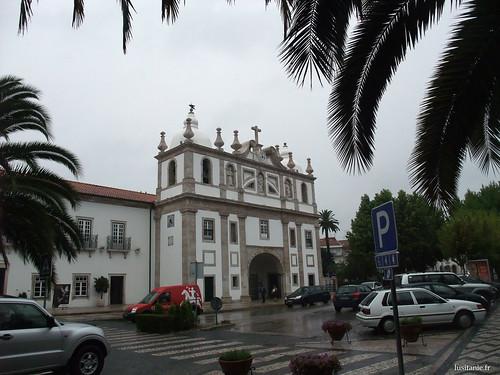 Façade baroque de léglise du Cardal
