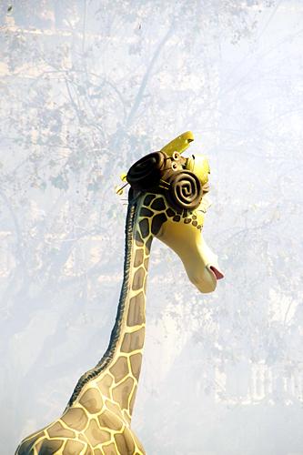Fallera-Giraffe