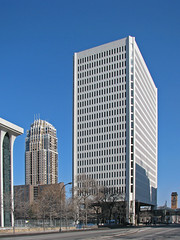 ING (MSPdude) Tags: minnesota skyscraper canon minneapolis powershot highrise condos s5is
