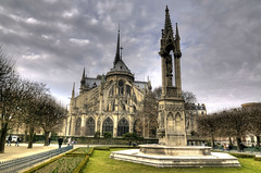 Notre Dame with back garden