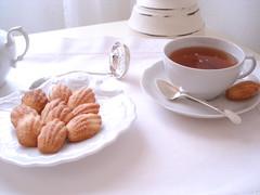 Chás e madeleines