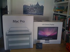 new toys (lomokev) Tags: england apple mac brighton unitedkingdom iphone brightonmarina macpro airme mycomputerisbetterthanyours iwanttoburnyourhouse yourcatwilldieevenifyoudonthaveone