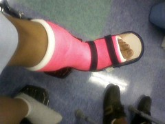 l_11fedf84277ccb1d63e628755c68713b (chilltown1) Tags: feet broken toes cast ankle
