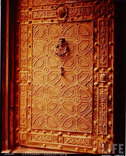 Interior de la Catedral de Toledo en 1963. Fotografía de Dmitri Kessel. Revista Life (6)