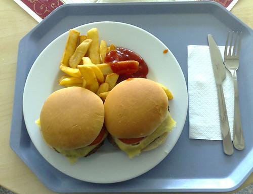 Cheeseburger & Steakhouse-Pommes