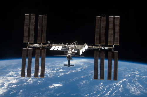 ISS 12/2001