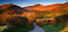 Sunrise on the Beacons (mikerob_s) Tags: mountains wales sunrise nationalpark breconbeacons penyfan cribyn