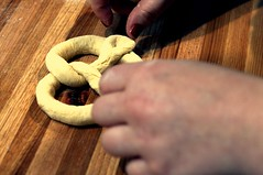 knotting pretzels demo