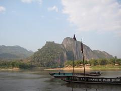 IMG_4146 (tomaszd) Tags: geotagged laos lao louangphabang banpakou geo:lat=2004930333 geo:lon=10221080500