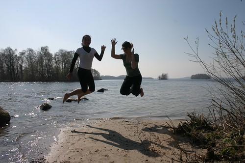 Daniela & Agnes Jump